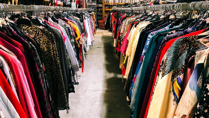 33 millions de consommateurs ont acheté des vêtements de seconde main pour la première fois en 2020 aux Etats-Unis.
