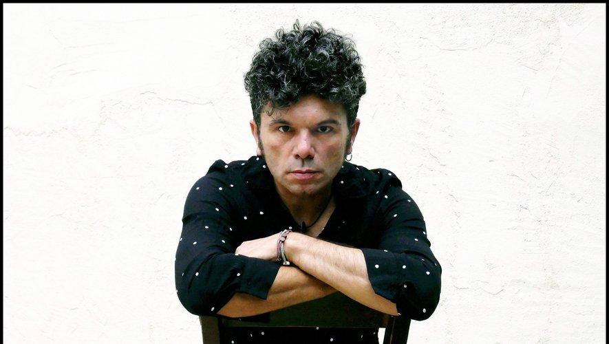 Romain Humeau multiplie les projets, en solo, avec son groupe Eiffel et aussi d'autres musiciens comme Bernard Lavilliers.