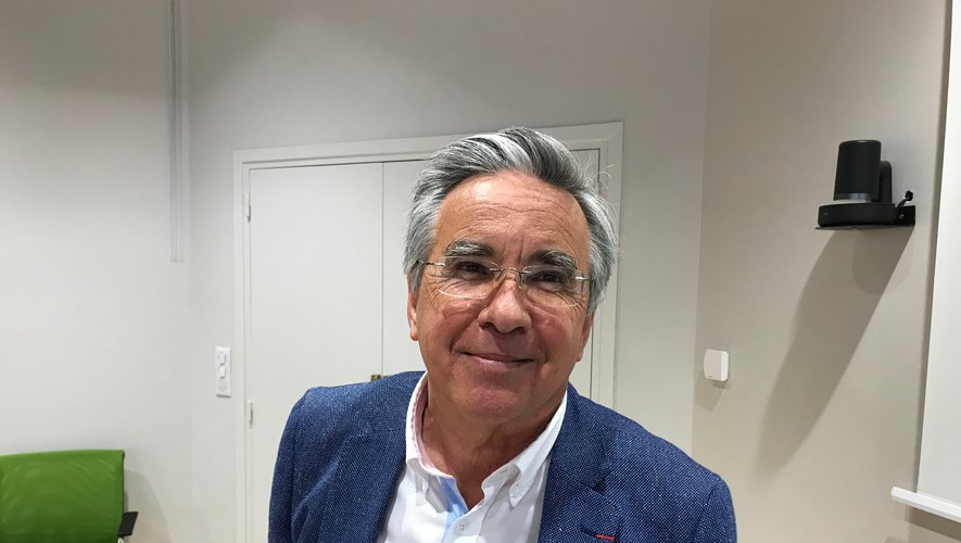 Jean-François Galliard ce mercredi après-midi annonçant qu'il renonce à participer à l'élection du président.