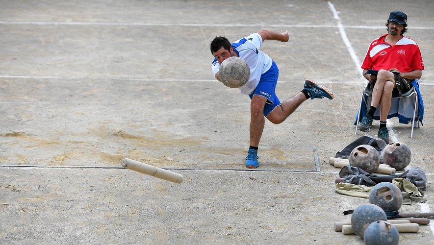 Tandis que les équipes d'Elite et de Ligue disputent la coupe de l'Aveyron, les féminines, les jeunes et les vétérans disputent leur ultime manche de championnat de l'Aveyron.