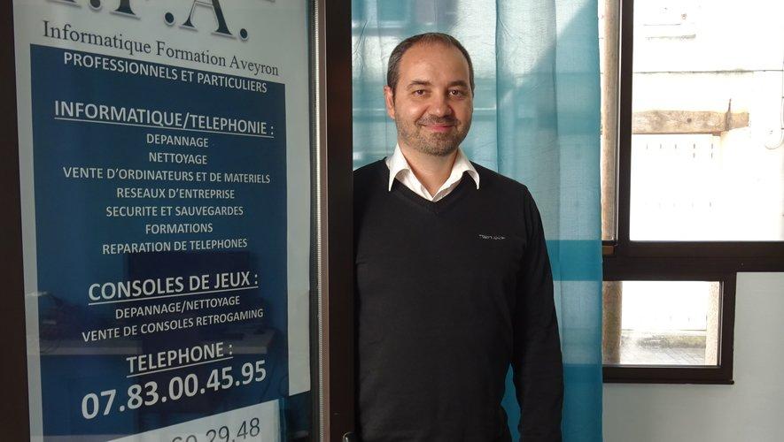 Christophe Lopez s'est installé place Jean-Boudou.