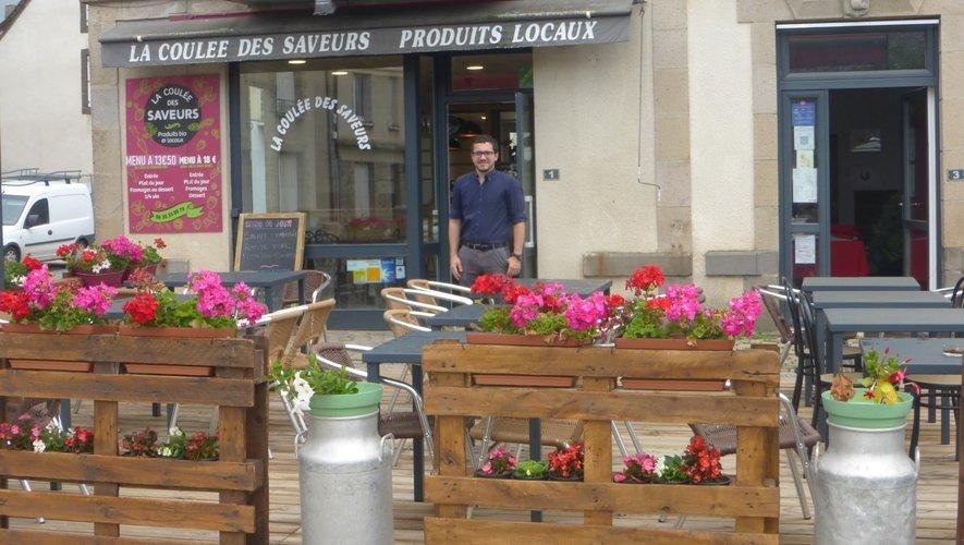 Gautier accueille les clients tous les jours durant l'été.