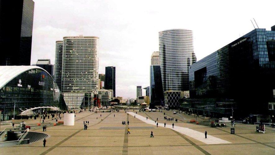 De nombreux bureaux sont vacants dans le quartier parisien des affaires.
