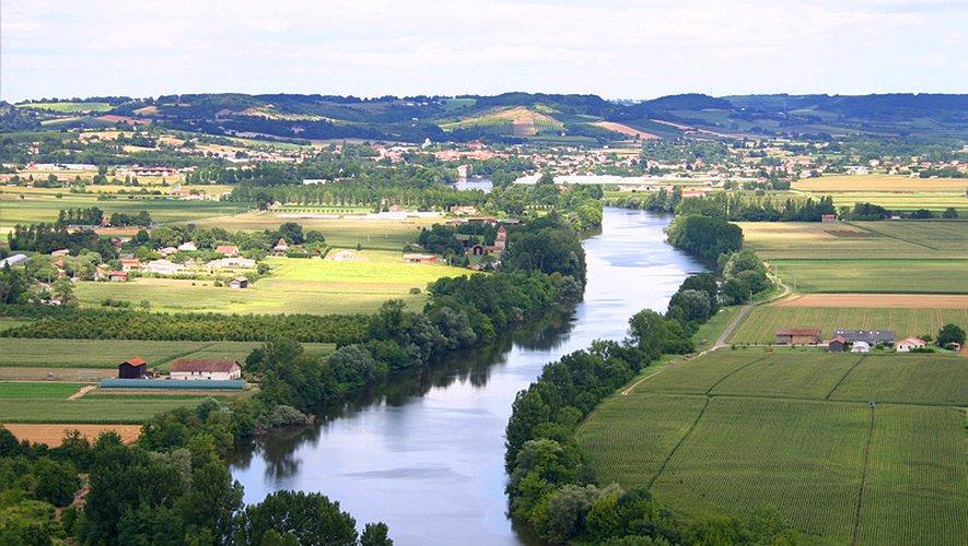 Le Bassin versant du Lot s'étend sur 12 000 km2,  de l'Aubrac à l'Agenais.