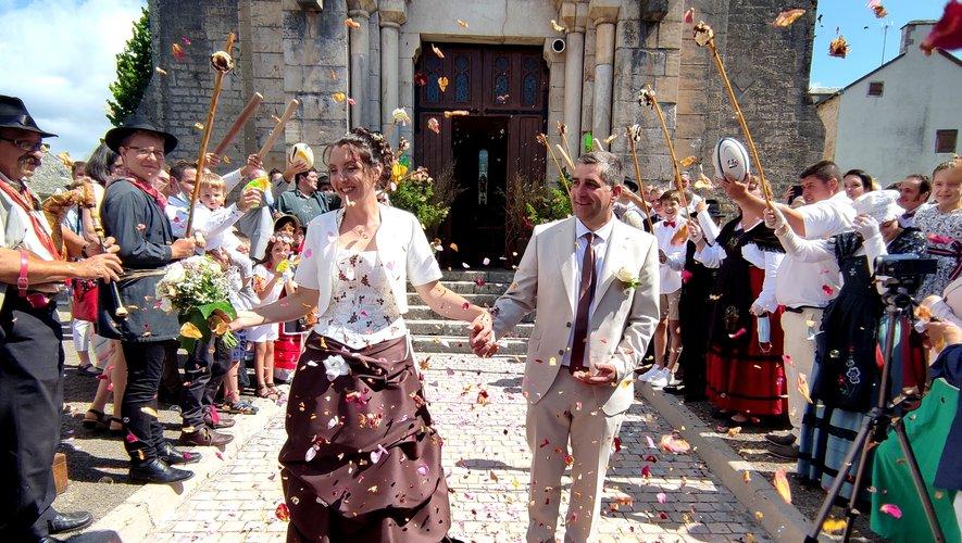 Sandrine et Sébastien à la sortie de l'église