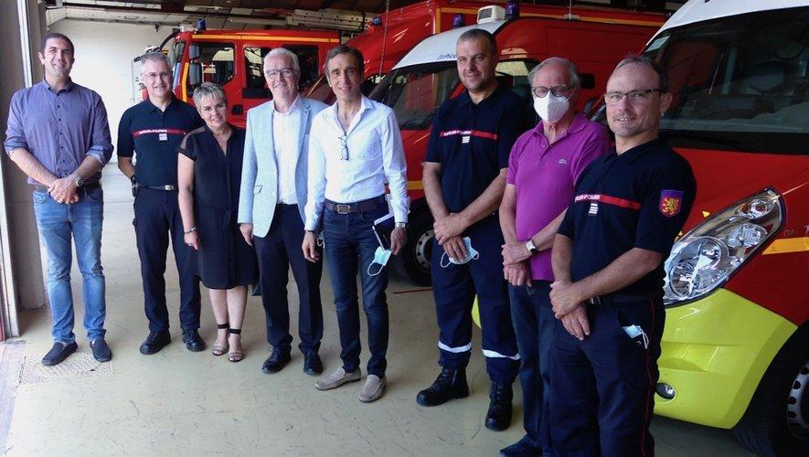 Les élus et les responsables du Sdis autour du président Arnaud Viala.