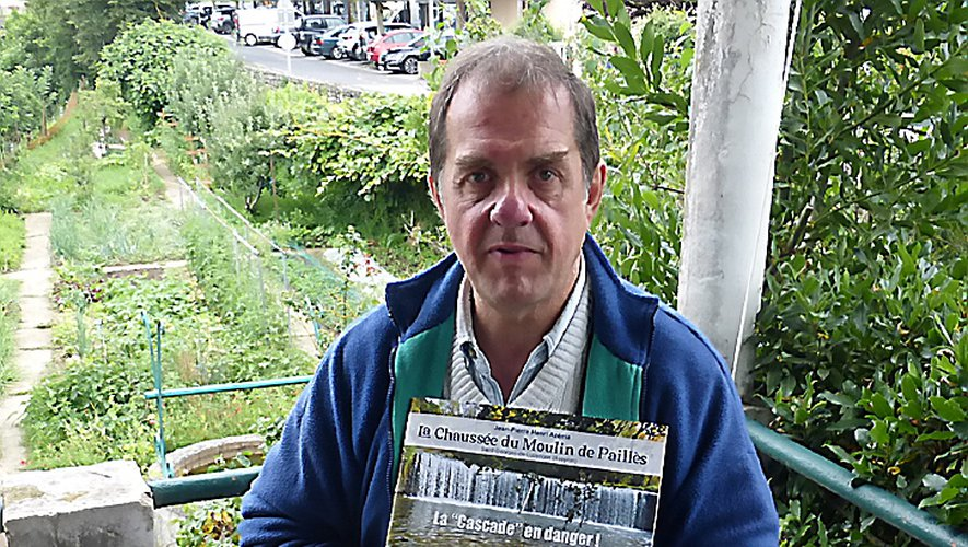 "Jean-Pierre Henri Azema présente son livre ""Cascade en danger""."
