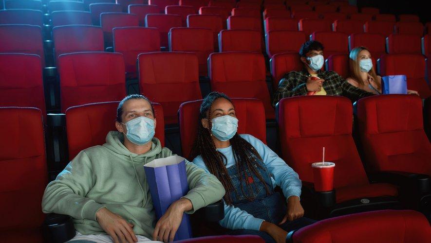 Les salles de cinéma peuvent décider de baisser leur capacité d'accueil sous le seuil de 50 spectateurs et se passer ainsi du pass sanitaire.