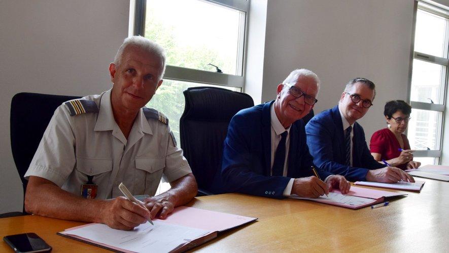 Jean-Marie Beney, procureur général près la cour d'appel de Montpellier, Olivier Naboulet, procureur de la République en Aveyron, au centre de l'image.