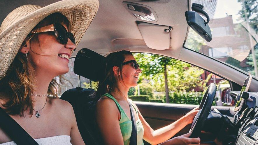 Les fortes chaleurs incitent à prendre quelques précautions avant de s'élancer sur la route des vacances.
