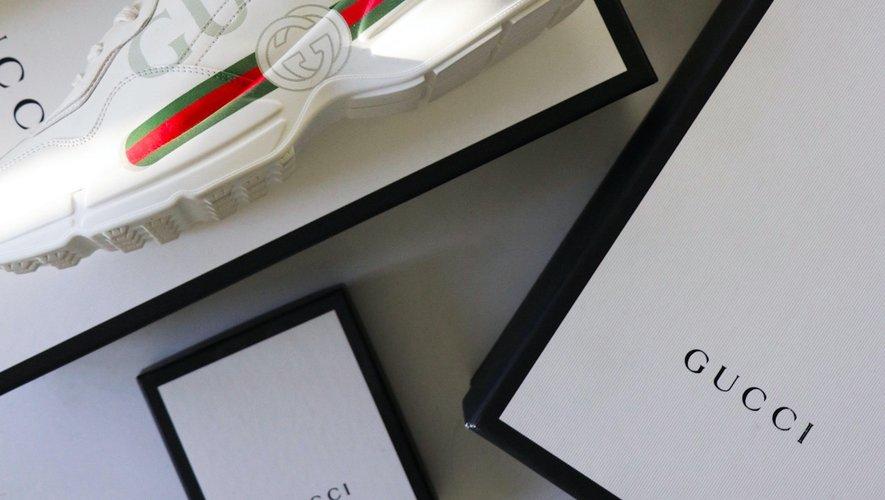 La marque Gucci est l'une des plus recherchées en ligne par les consommateurs de contrefaçons, selon une étude.