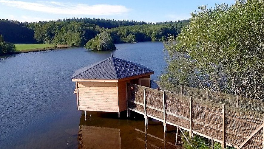 Au lac de la Gourde, juste à côté de Pareloup, un espace naturaliste.