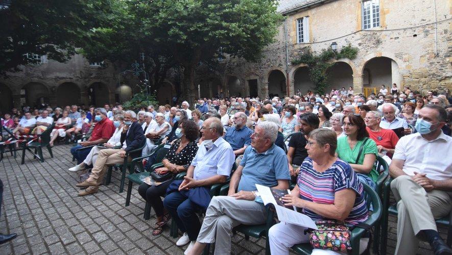 Le public nombreux au concert d'ouverture du festival.