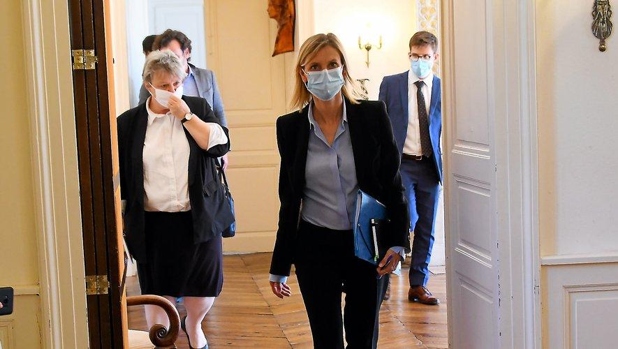 La ministre Agnès Pannier-Runacher a rencontré élus et syndicats en préfecture jeudi.