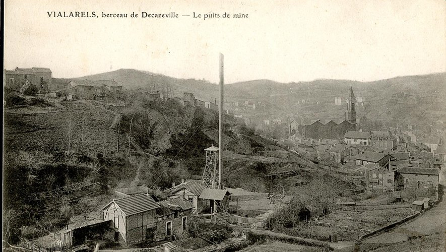 La famille Calvet devait vivre dans le quartier de Vialarels. Aujourd'hui, une rue decazevilloise porte le nom d'Emma Calvé à Cantagrel.