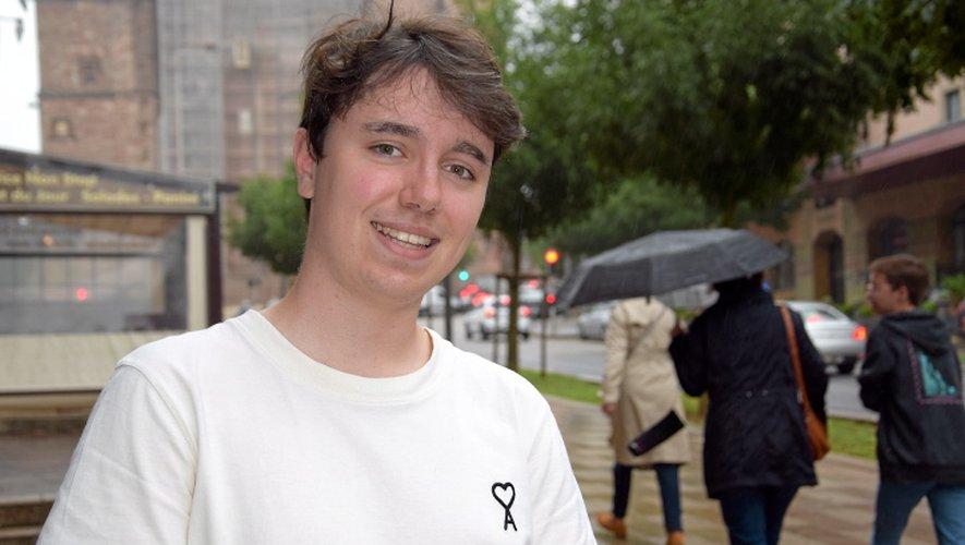 Le jeune homme, âgé de 18 ans, est encore étudiant, dans une école de commerce.