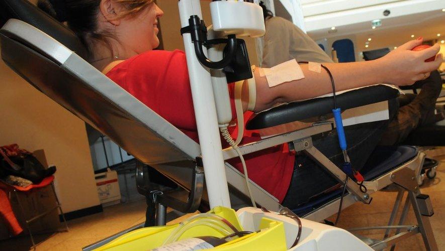 Tout le monde peut donner son sang, vacciné ou non.
