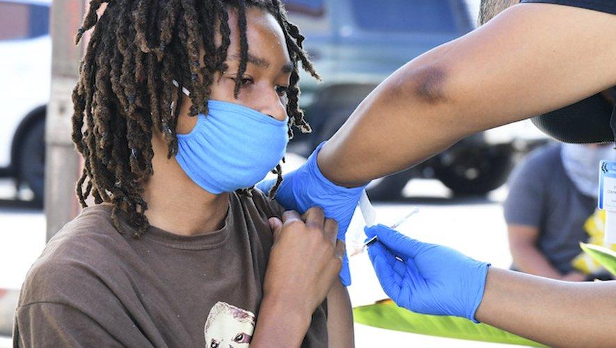 Aux États-Unis, un peu plus de 60% des personnes âgées de 12 à 17 ans n'ont pas encore été vaccinées.