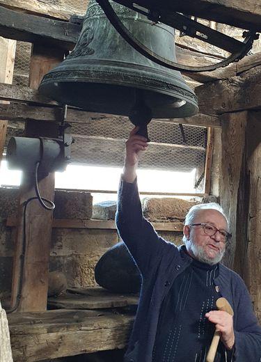 Gilbert Vialaret était intarissable pour présenter le clocher et ses cloches.