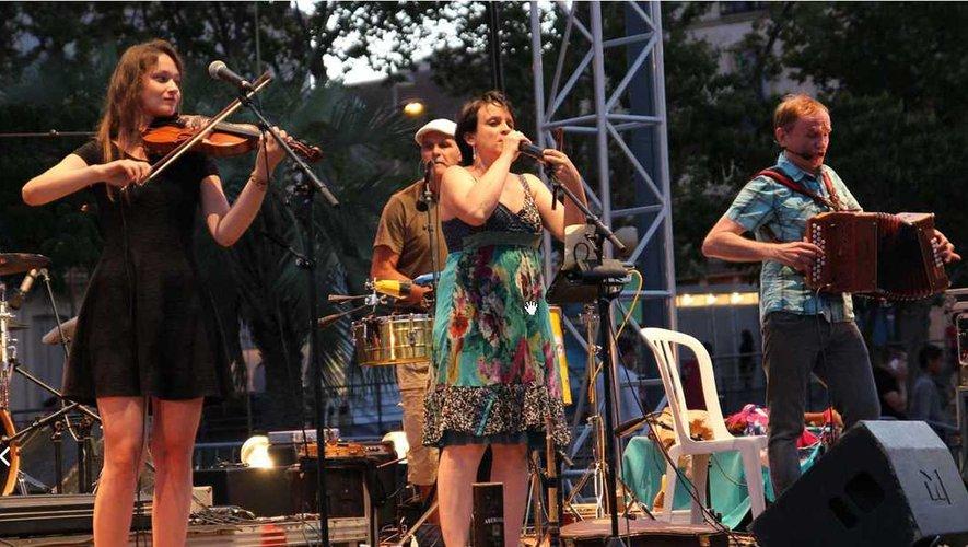 Le groupe de musique occitane La Talvera.