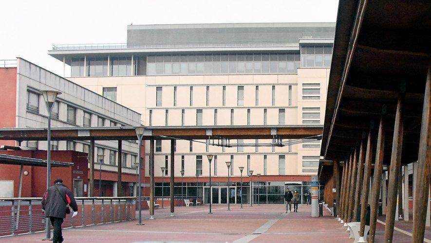 Il y a 11 places en réanimation à l'hôpital de Rodez.
