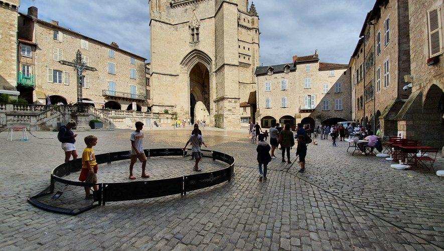 Mercredi, avec le mauvais temps, la place Notre-Dame a été privilégiée par rapport à la place Saint-Jean.