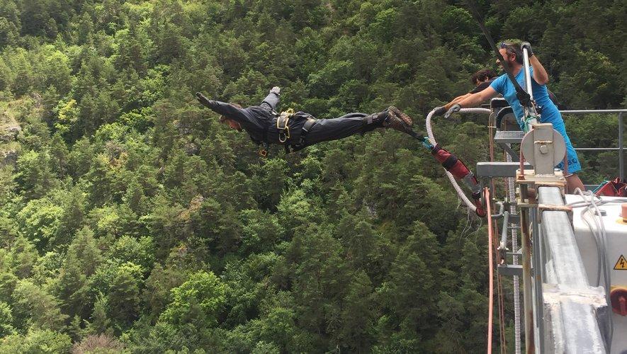 Un saut de l'ange sur les gorges du Tarn