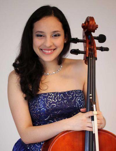 Sol Molina et son violoncelle.