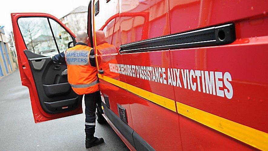 Les pompiers ont pris en charge la victime âgée d'une soixantaine d'années.
