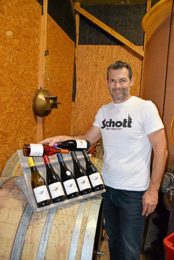 """Joueur de rugby professionnel jusqu'en 2008, Sébastien Galtier est devenu """"paysan vigneron"""" à 40 ans, installé au Mas des Colibris à Gignac."""