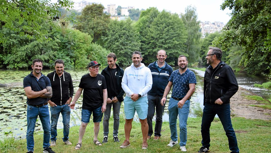 """Les membres de la liste """"Ensemble  pour l'avenir de la pêche à Rodez""""  se jettent à l'eau pour les élections."""