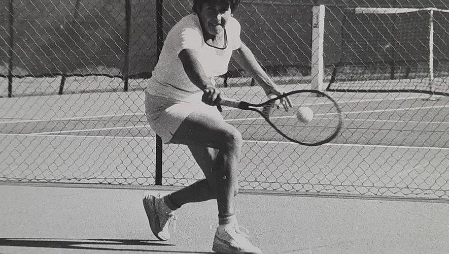 Gilberte s'est mis sur le tard au tennis, ce qui ne l'a pas empêché d'obtenir très rapidement de bons résultats.