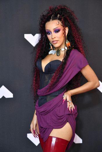 Doja Cat a électrisé les MTV Video Music Awards organisés cette nuit au Barclays Center à New York.