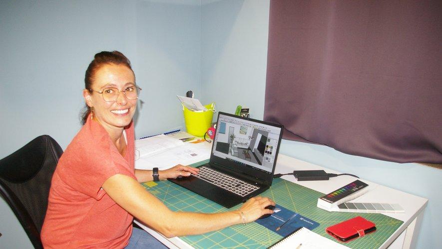Magali Falcou dans son espace travail.