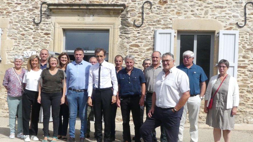 Le nouveau  président départemental Arnaud  Viala et les élus du territoire ont planché sur divers dossiers.