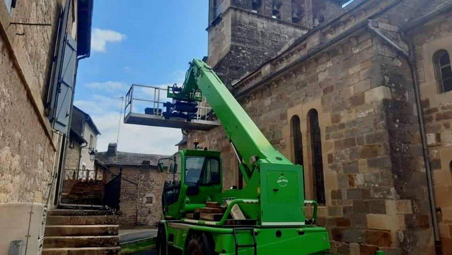 Travaux sur la toiture de l'église.