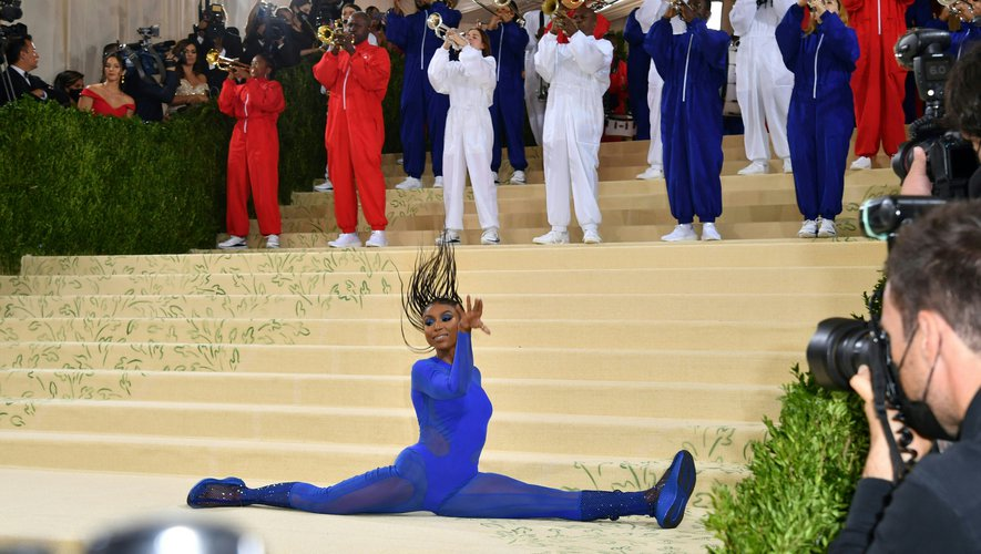 Pour son retour, le gala du MET a vu défiler des tenues tour à tour excentriques, politiques, et engagées.