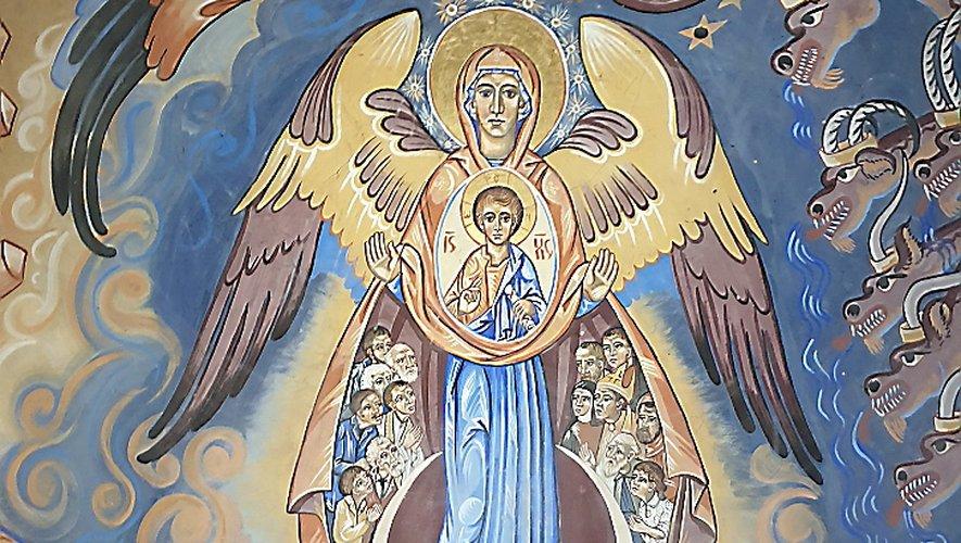 Vierge protectrice dans la chapellede Coupiac au pied du château.