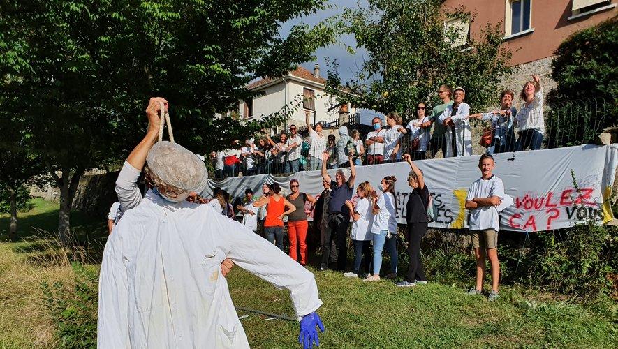 Plus de 60 personnes du collectif Liber Tance ont manifesté mercredi, le long de l'avenue de Toulouse.