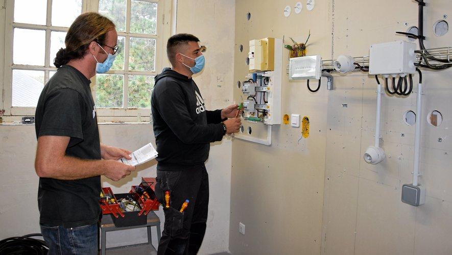 Les métiers de l'électricité sont très demandés mais les stagiaires manquent à l'appel.