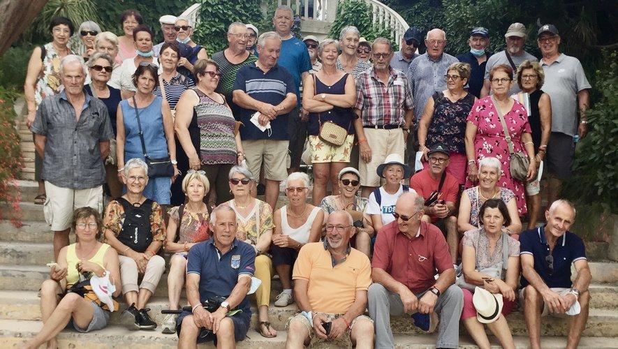 Les Ainés Des deux clochers de Castanet et Lardeyrolles  devant la maison Rothschild à Saint Jean Cap Ferrat