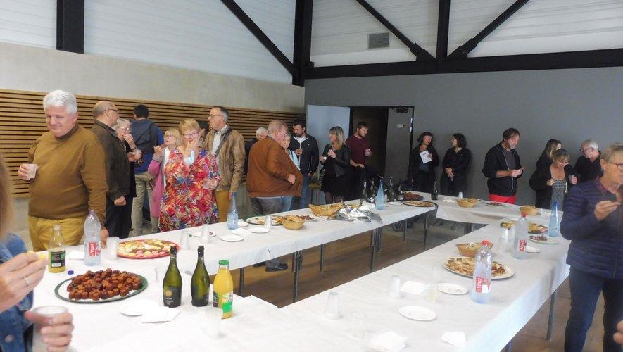 Une réception qui s'est terminée autour d'un buffet gourmand.