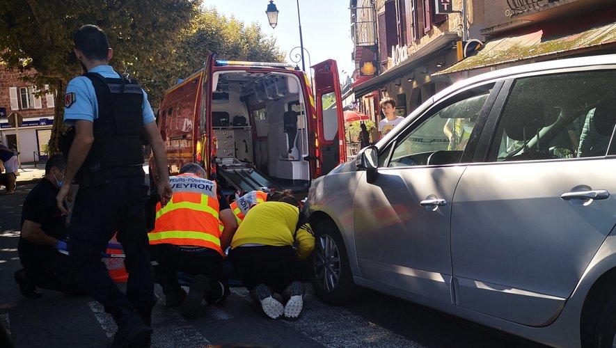 L'état de la victime a nécessité son évacuation par les sapeurs-pompiers vers l'hôpital de Rodez