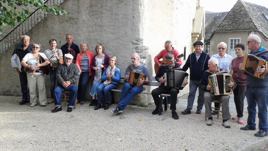 Les musiciens locaux découvrent les ardoisières