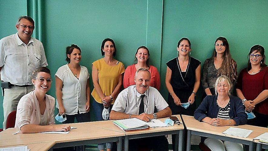Les participants à la réunion au lycée.