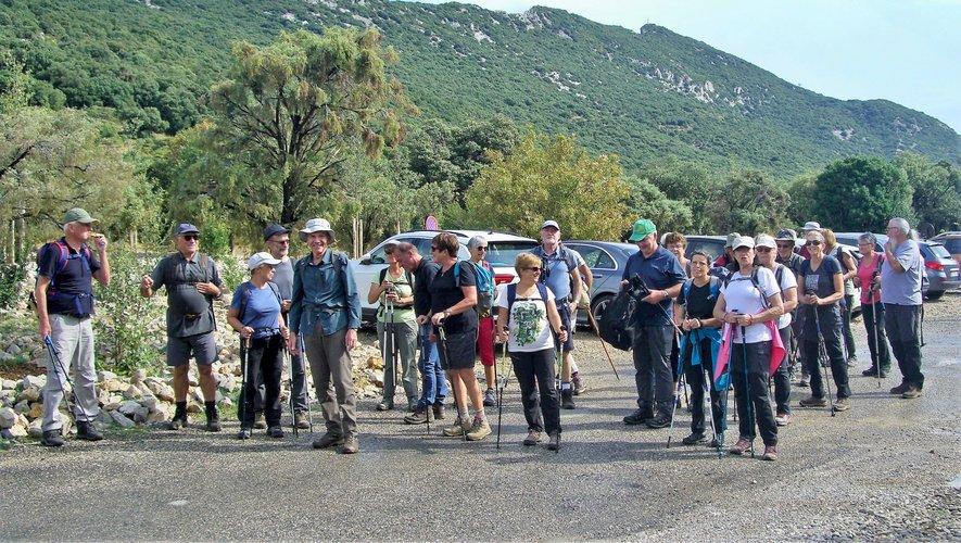 Trente-deux randonneurs ont posé leurs valises pour trois jours sur les rives de l'étang de Thau.