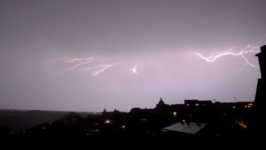 Un violent orage a frappé l'Aveyron dans la nuit de samedi à dimanche.