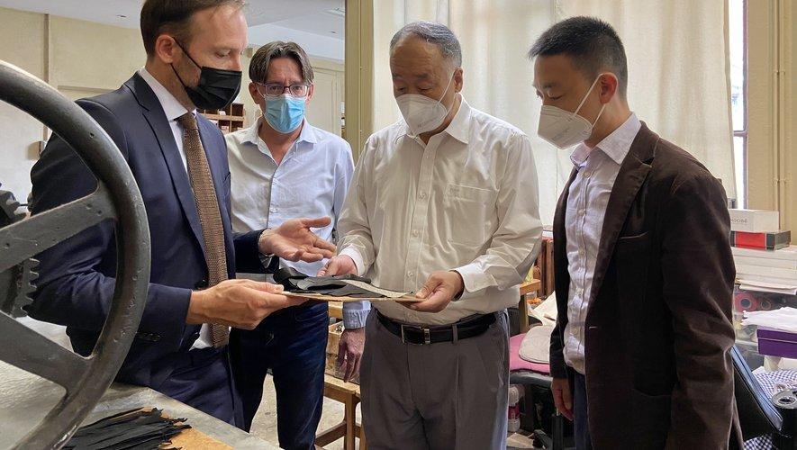 Yang Jin a passé le week-end à visiter les ganteries de Millau.