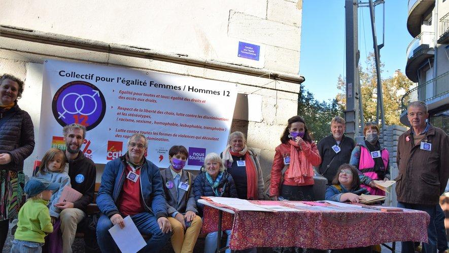 Ce samedi à Rodez, c'est le centre-ville de Rodez qui avait été choisi pour le premier coup d'éclat du récent Collectif pour l'égalité femmes-hommes de l'Aveyron.