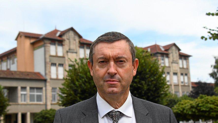 Didier Perrot, directeur de l'hôpital Sainte-Marie, aurait été licencié la semaine dernière, selon la CGT.